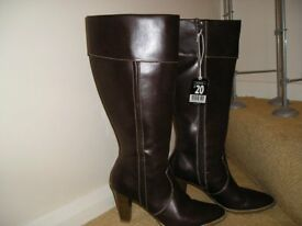LADIES KNEE HIGH BROWN BOOTS SIZE 6
