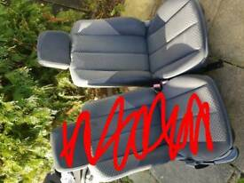 Renault megane passenger and drivers car seats good condition