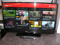 "HITACHI 42"" LED SMART TV"