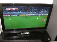 """ACOUSTIC SOLUTIONS 42"""" LCD TV"""