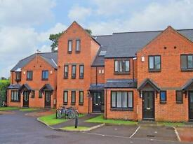 2 bedroom flat in Cranston Court, 135 - 137 Rose Hill, Oxford