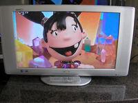 """SANYO 32"""" LCD TV"""