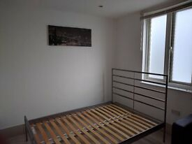 Studio flat to rent in Stratford.