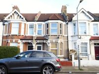 Family Home w/ 3 Double Bedrooms , SW17