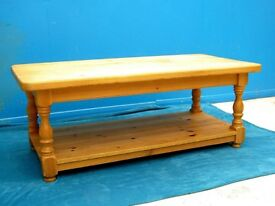 DINNING / LIVING / SHABBY CHIC SOLID PINE COFFEE TABLE WITH UNDER SHELF