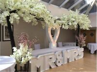 Event Chiavari Chair Hire London £2.50 Aisle Pillar Hire Walkway £65 Clear Top Table £199 Rent Cover