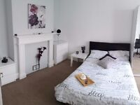 Fantastic Large Modern Double Room inc all Bills, easy access to M27 (3+ month contract considered)