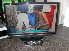 "HITACHI 22"" LCD TV"