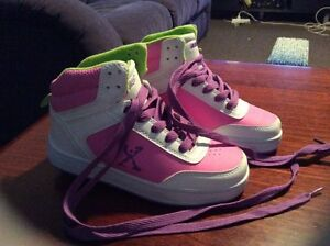 Wheeled Skate Shoes - sidewalk GIRLS size 2 Noranda Bayswater Area Preview
