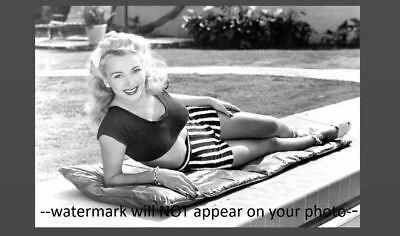 Sexy Pin-up Girl PHOTO WW2 Pinup Yank Magazine Girl Carole Landis 1943 US Army