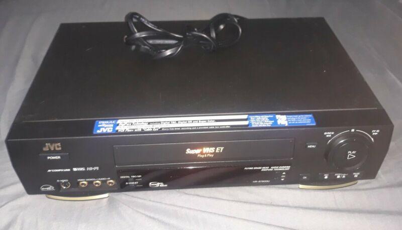 JVC HR - S7800U SUPER VHS ET HI-FI VHS PLUG & PLAY - NO REMOTE -