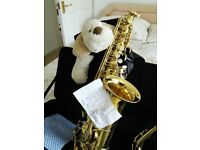 ALTO SAXOPHONE GOLDEN WITH SOLID-FABRIC-ZIPPED CASE