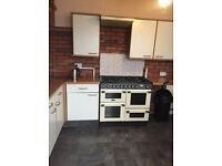 Nice 3 Bedroom House in Dagenham RM8