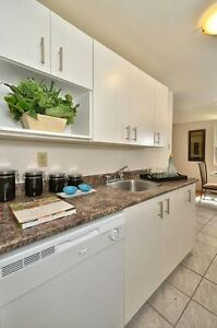 2 BEDROOM  DOWNTOWN AVAILABLE MAY OR JUNE! London Ontario image 3