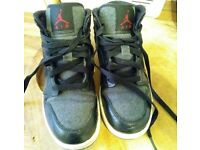Boys Nike Air Jordan Boots/Trainer's