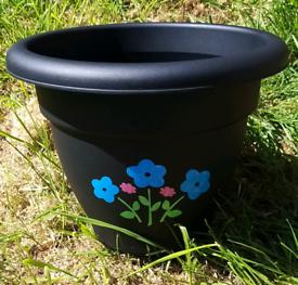 30cm planter. Flower pots. Gardening, tubs, patio.