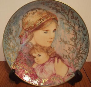 "KNOWLES EDNA HIBEL"" EMILY & JENNIFER "" COLLECTOR PLATE 1986 MOTH"