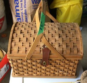 Picnic Basket with dishes and utensils Peterborough Peterborough Area image 2