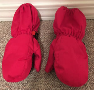 Kombi Mitts Toddler sz L (4 year old & younger?)