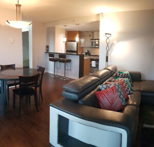 Luxury 2 bed 2 bath condo in Yaletown - Fully Furnished.