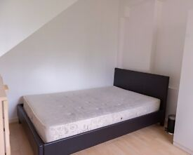 Rooms to rent in a convenient and comfortable 5-bedroom flat in green Putney