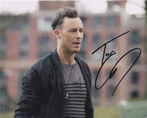 Tom Cavanagh The Flash Autographed Signed 8x10 Photo COA w/proof #10
