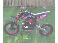125cc stomp pit bike ££450 ono.