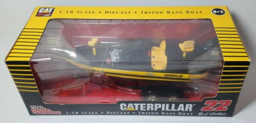 RARE CATERPILLAR NASCAR RACING 1/18 SCALE SPORTSMAN SERIES TRITON BOAT & TRAILER