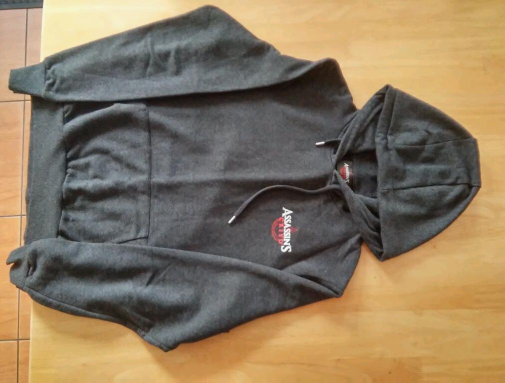 Sweatshirt assassins creed mediumin Stoke on Trent, StaffordshireGumtree - Grey medium sweatshirt only worn twice son outgrown Assassin creed logo on front and back. Collection only cash only st6 area