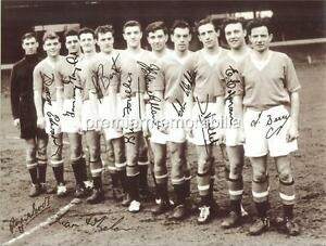 MANCHESTER UNITED FC BUSBY BABES 1957 SIGNED x 11 DUNCAN EDWARDS TOMMY TAYLOR