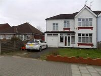 Large 5 Bedroom House to Rent - Garage - Parking Space - 2 Receptions - Available 1st April