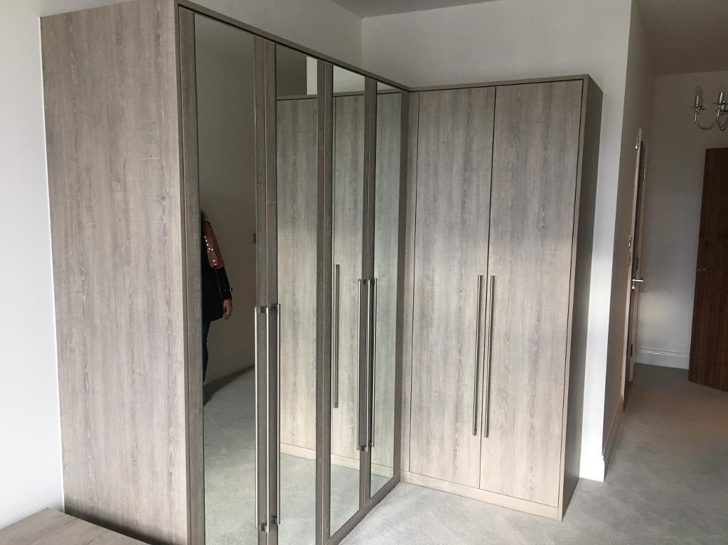 L Shaped Fitted Wardrobe Can Be Fitted In Straight Line