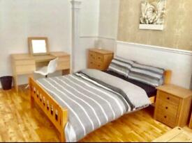 ## LOVELY FURNISHED ROOMS OFF ANTRIM ROAD ##