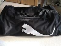 puma pro large wheel bag SPORTTASCHE