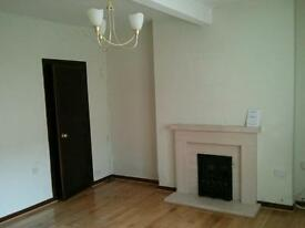 Chesser - Sunny ground floor flat with private garden and furnished