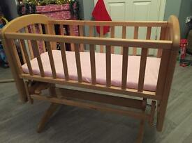 Ana Glider swinging crib from John Lewis