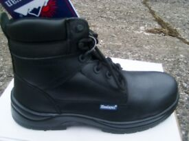 Himalayan Hygrip Black Safety Boots Size 10 - Brand New In Box