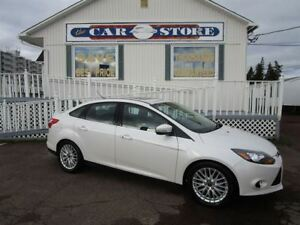 2014 Ford Focus Titanium WITH LUX PACKAGE SUNROOF HTD LTHR NAV
