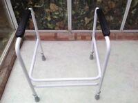 Toilet frame - free standing