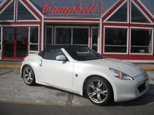 2010 Nissan 370Z Touring CONVERTIBLE HEATED AND AIR COOLED SEATS