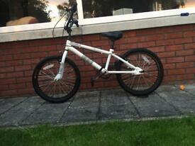 Excellent condition boys BMX bike/bicycle with stunt pegs