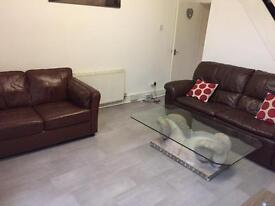 Double bed room available To Let all bills included suitable for professional/Student
