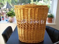 Large Oval Wicker Storage Basket With Lid
