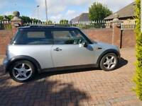 Mini Cooper 1.6 in sliver with Panarmic roof 51 plate