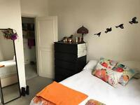 Ensuite bedroom available in Notting Hill