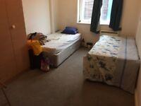 Sharing room in west croydon london road