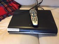 Sky + HD 500 Gb DRX890WL