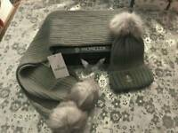 Moncler scarf and hat with pom-poms