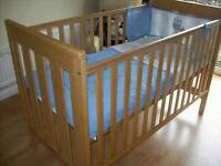 MOTHERCARE Jamestown Cot Bed (can deliver)