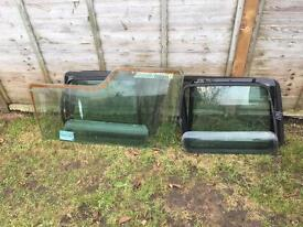 Land Rover Discovery 200tdi rear glass